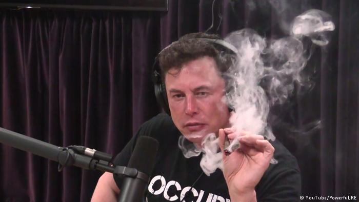 pot smoker using computer